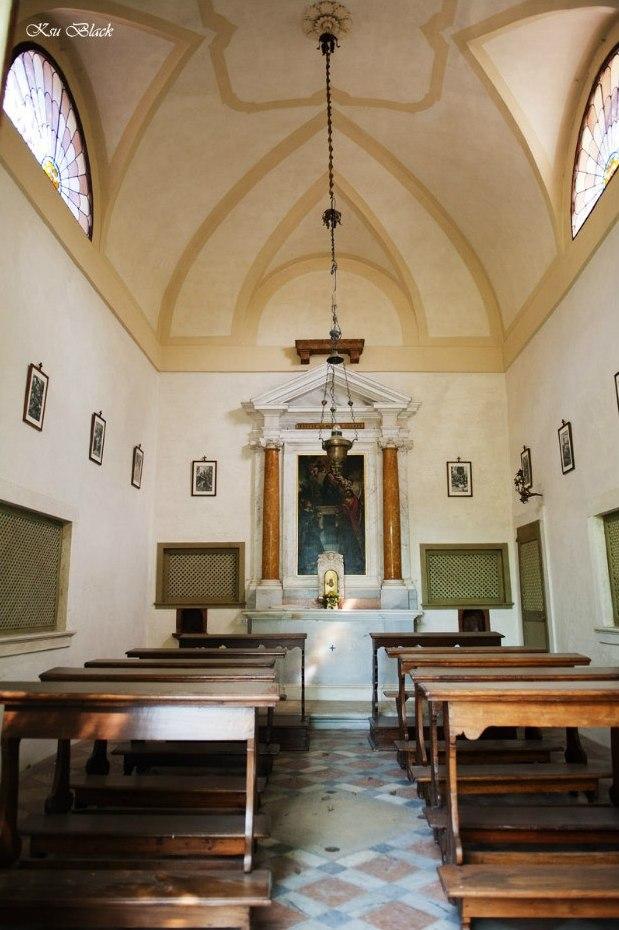 Католический собор изнутри, родительские субботы, когда поминают.