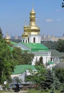 Огромный церковный комплакс в киеве, киевский церковный комплекс.