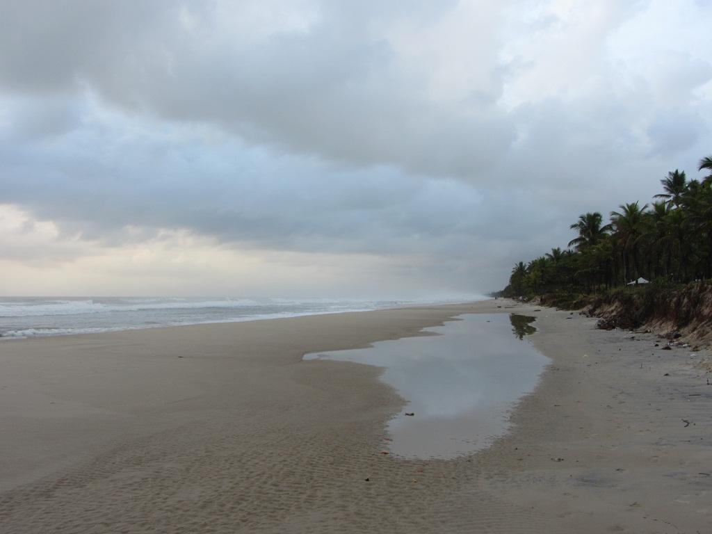 касивые пляжи Баии, широкие бразильские пляжи.