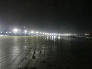 Пляжи гладкие как стекло, ночная Бразилия.