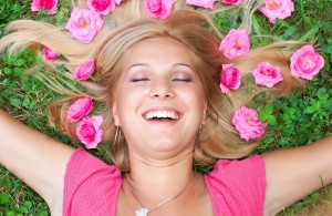 как быть счастливой, быть счастливым так просто, как не любить счастливую невозвратимую пору детства, кто вас сделает счастливым, как быть счастливой в детстве, в хорошем настроении, не обращать внимания на неприятности, когда люди начинают улыбаться, научиться радоваться мелочам, как быть счастливой в браке, может возникнуть конфликт между вами, поднять настроение на весь день, счастье в твоих руках, начните улыбаться людям, научиться мыслить позитивно, способ стать счастливей