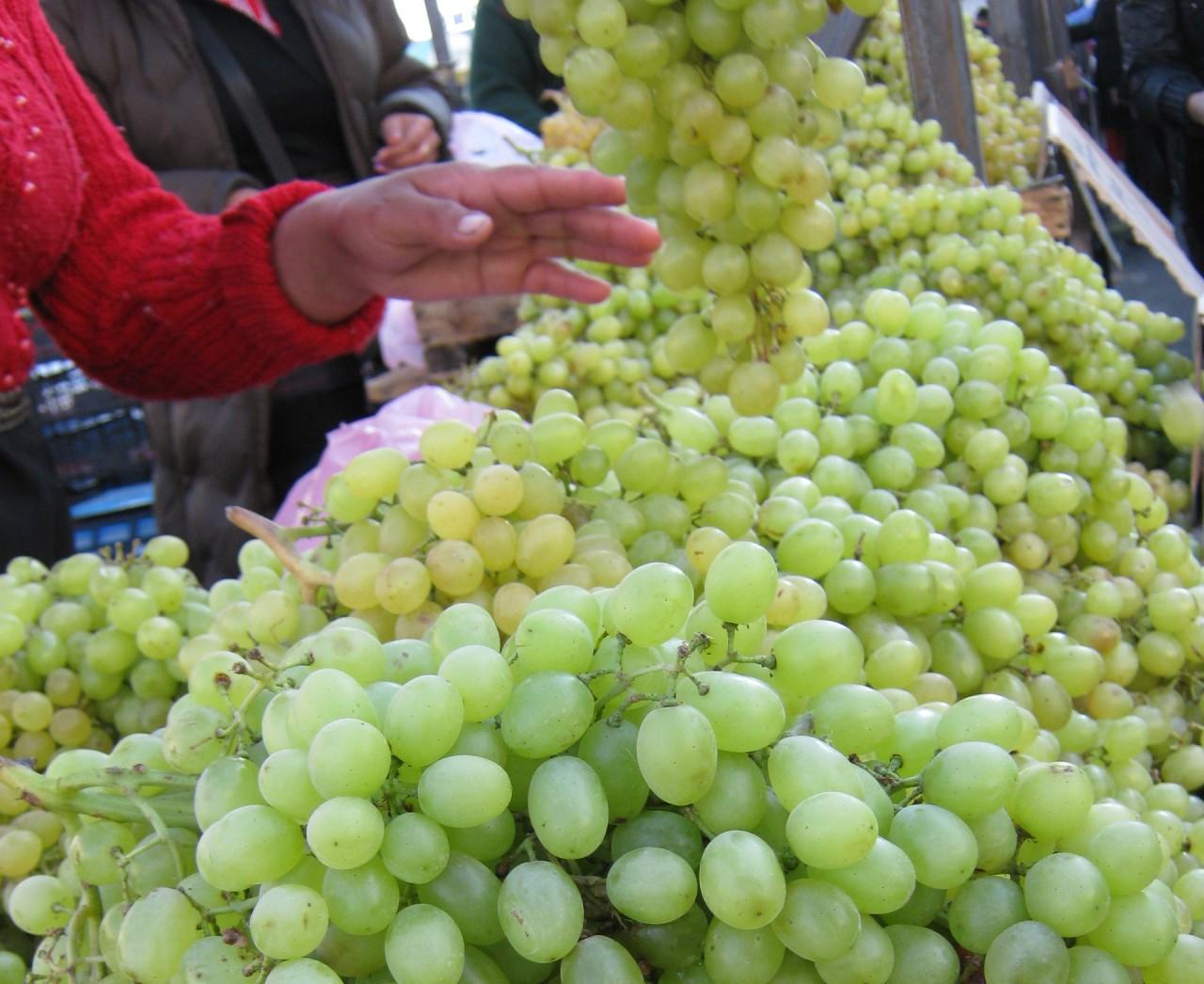 Виноград от стресса, виноград полезнее белый или черный,
