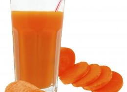Как правильно приготовить морковный сок, Польза морковного сока для детей и женщин, Полезные свойства морковного сока, Вред морковного сока, Как правильно выбрать морковь для сока , Самый полезный овощной сок,