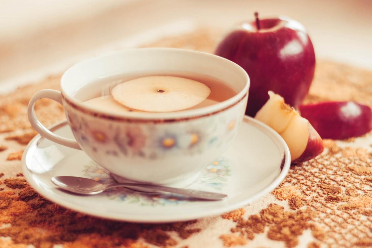 Чай с яблоками и корицей, Рецепт яблочного чая с корицей,