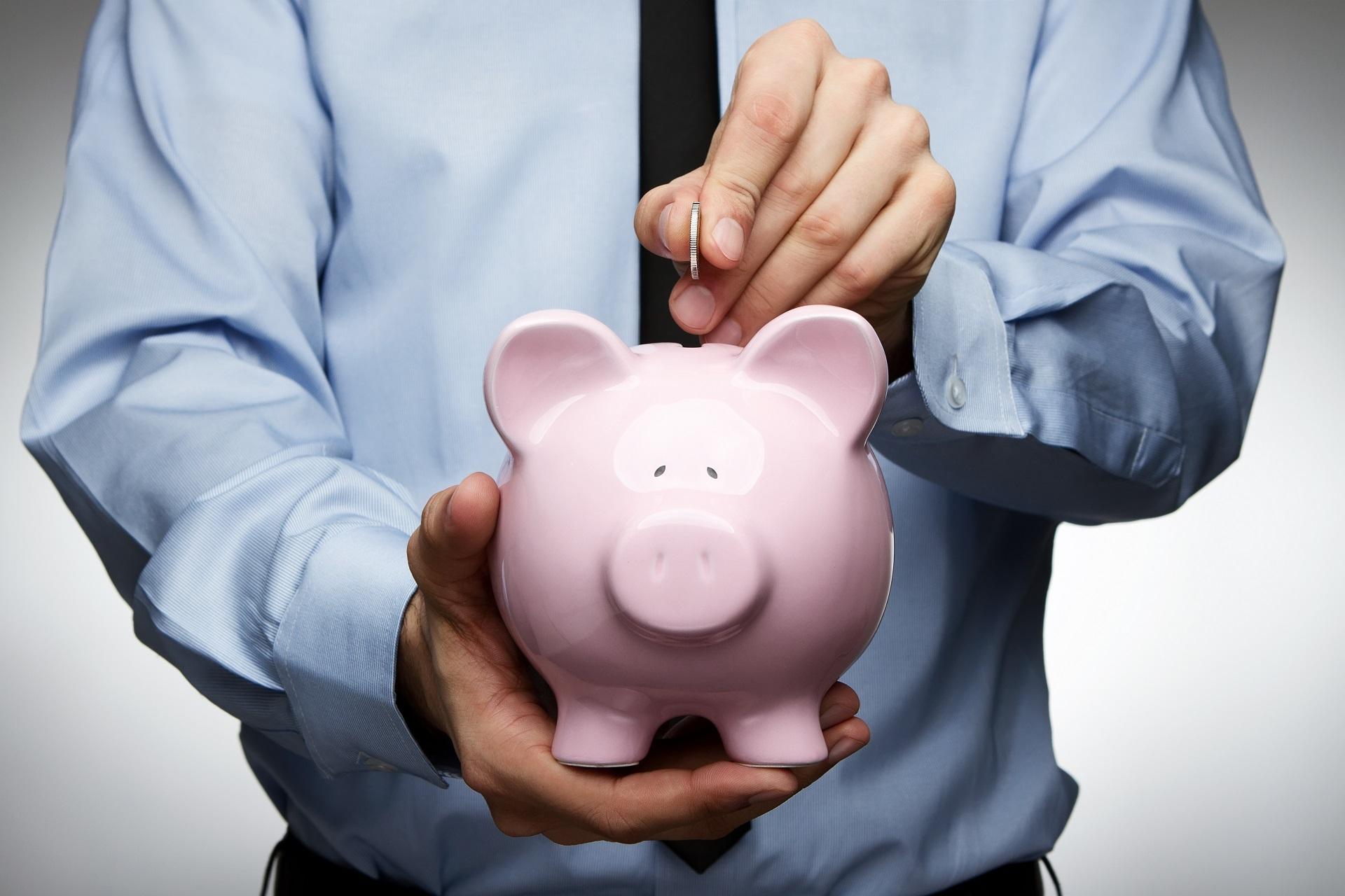 Нужно ли копить и экономить деньги,