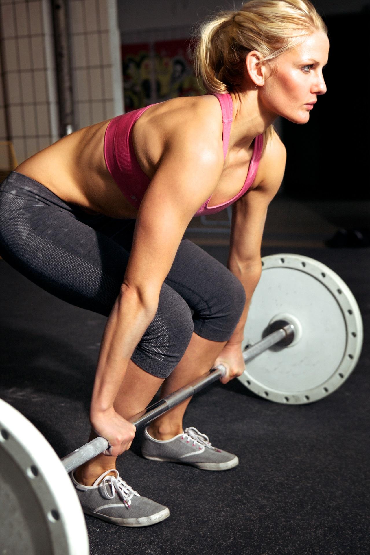 Чем отличаются виды силового спорта, Чем лучше заниматься пауэрлифтингом или бодибилдингом.