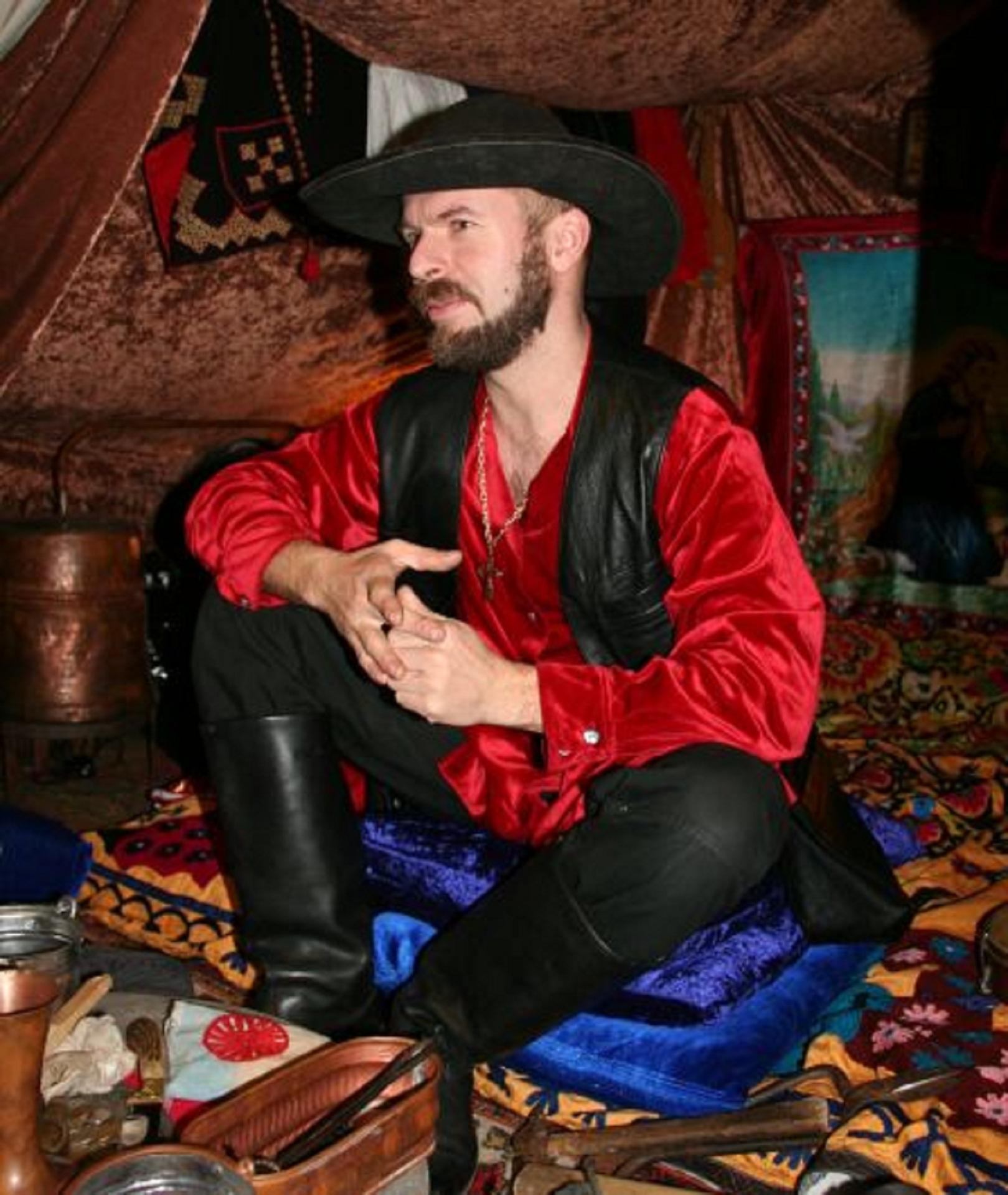 фраза твоей цыганский костюм мужской фото этом