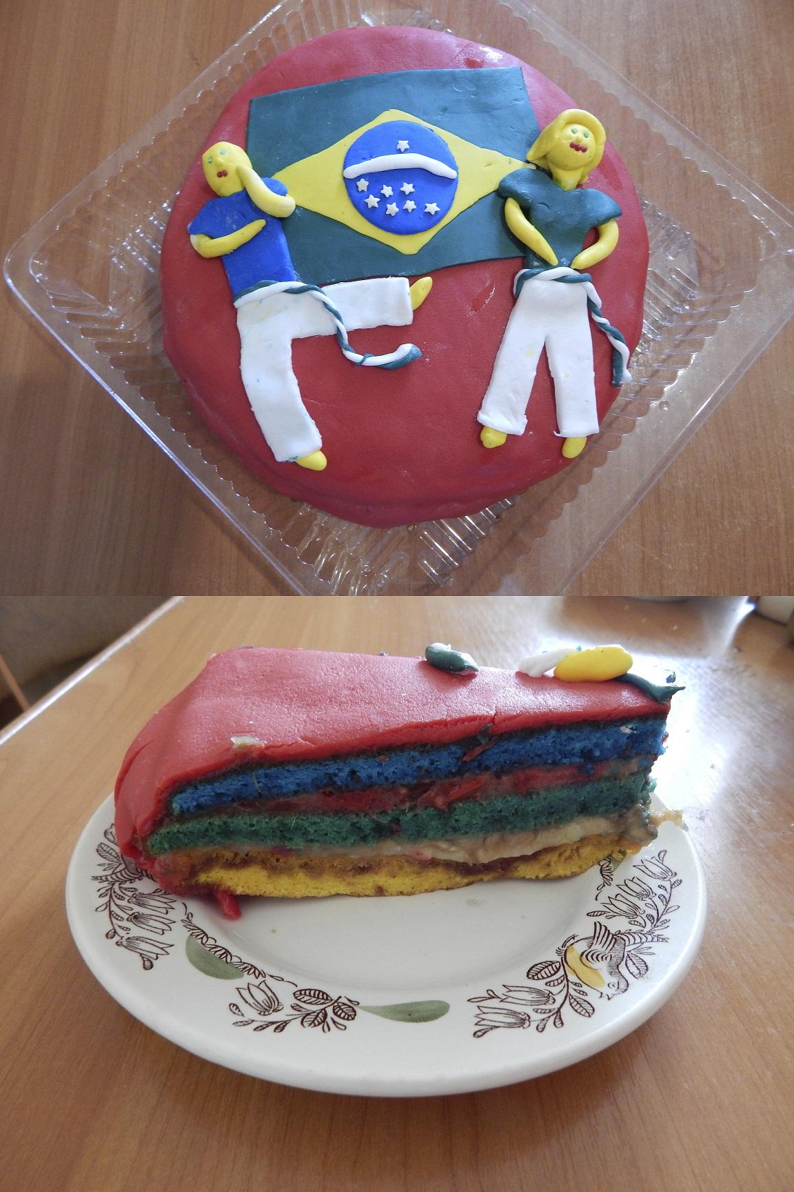 Торт своими руками из коржей и мастики 25