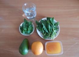 Смузи со шпинатом, Пошаговый рецепт с фото, Смузи со шпинатом, авокадо и апельсином, Способ приготовления витаминного коктейля со шпинатом.