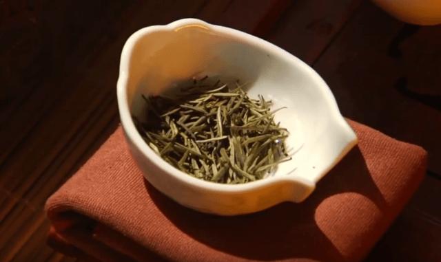Состав хельбы, Из чего делают желтый чай, Египетский желтый чай Хельба состав и полезные свойства, Противопоказания желтого чая из Египта,