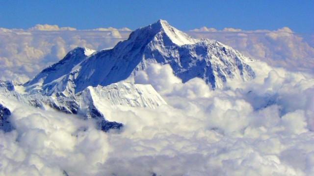 Сюжет и история фильма Эверест, Актёрский состав Эвереста, Стоит ли смотреть фильм Эверест.