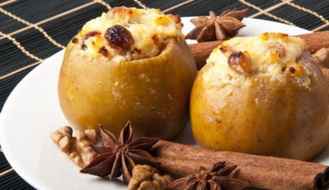 чем полезны печеные яблоки, полезные печеные яблок, калорийность печеных яблок, рецепты для печеных яблок, в печеном как и в свежем яблоке, запеченные яблоки, польза печеных яблок, яблоки в печеном виде