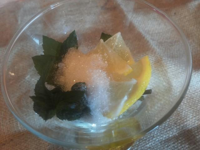 limon s mjatoj dlja Mohito