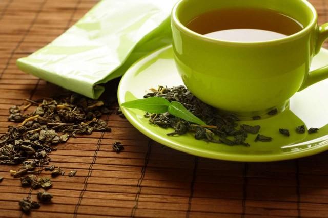польза и вред зеленого чая, химический состав зеленого чая, полезность зеленого чая, польза зеленого чая, вред от зеленого чая, кому вреден зеленый чай, полезный чай, виды зеленого чая, применение зеленого чая, заваривать зеленый чай, похудеть с зеленым чаем